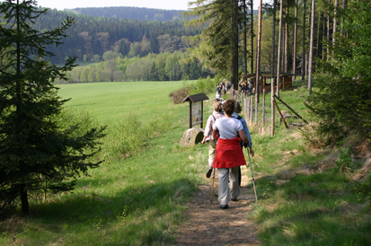 Between Sohland and the Czech Republic, one can hike along the border »on the tracks of the red ant«.